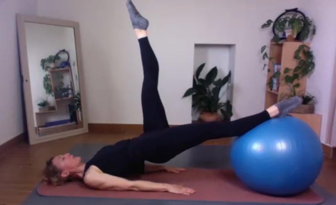 Gros Ballon en Pilates, grosse tonification ! (vidéo)